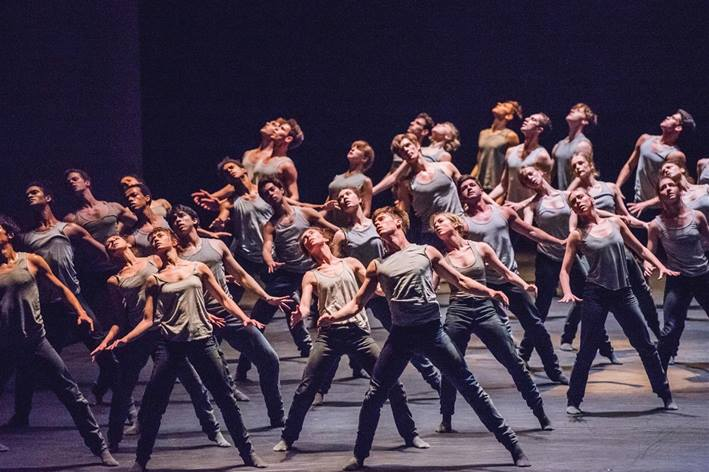 ROH Wheeldon, Cherkaoui, Pite FLIGHT PATTERN/WITHIN THE GOLDEN HOUR/NEW SIDI LARBI CHERKAOUI (Weltpremiere)